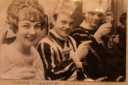 Jungfrau Renate (Eispert, heute Schumacher), Prinz Ferdi (Hermes), Bauer Mathias (Engels)