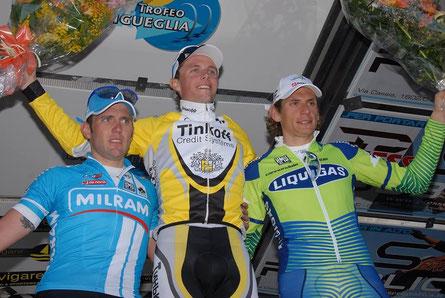Foto courtesy: Daniel Schamps, il podio del Trofeo Laigueglia 2007 da sx. Mirko Lorenzetto, Mikhail Ignatiev e Pippo Pozzato.