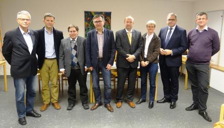 Von li. nach re.: Dr. Klaus Imhoff, JanHaltof, Dr. Philip Rosin, Ortsverbandsvorsitzender Dr. Peter Spyra, Christoph Wahlefeld, Dr. Petra Broich, Jens Altenburg. Es fehlt Hans Joachim Hövelmann.