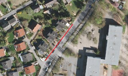Halteverbotszone vor dem CvO : Am Götgesbach ab Haus Nr. 32-42 außerhalb der markierten Parktaschen