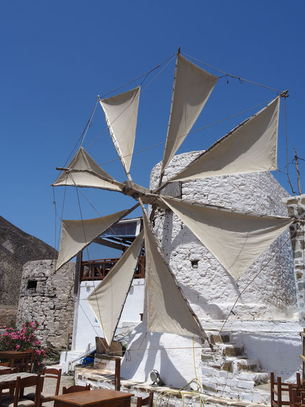 Bestes Essen - auch für Vegatarier: Milos Taverne in Olympos mit seiner noch funktionierenden Windmühle
