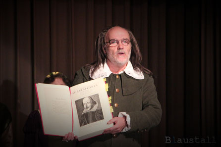 "Szenenbild ""Shakespeare's Begrüßung"" - Shakespeare Gala (2016)"