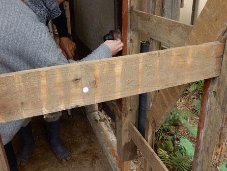 古民家再生 木製のコンセント