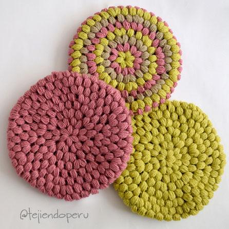 Boina en punto garbanzo o puff tejida a crochet