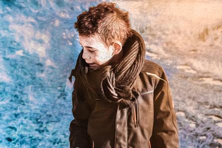 Licht und Schatten Portrait und Fotografieaufnahme Bearbeitet in Photoshop