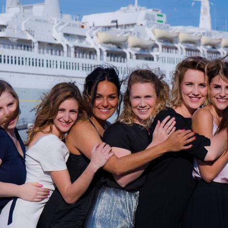 meiden bij SS Rotterdam