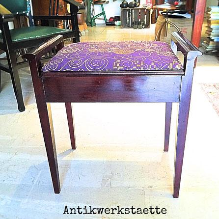 Art Nouveau seat box