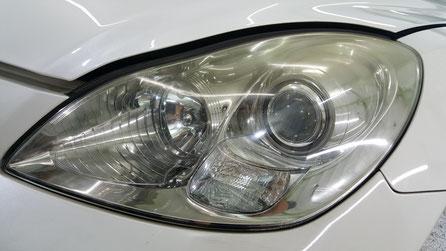 ヘッドライトの黄ばみが目立つレクサスSC430