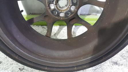 RX‐8純正リヤホイール裏側のダスト汚れ