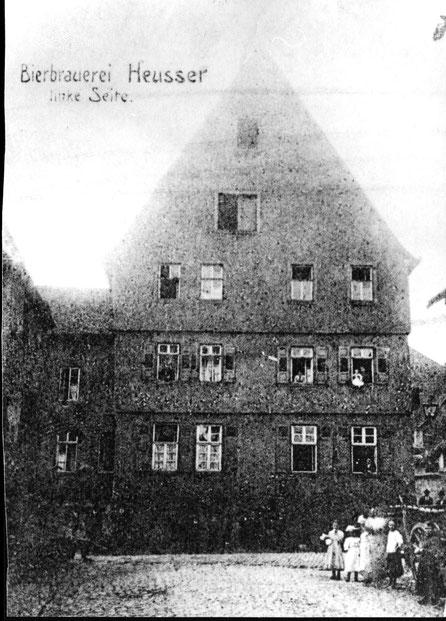 1920,  Gaststätte Blaues Haus Ansicht aus Kirchstrasse, Bild: Stadtarchiv