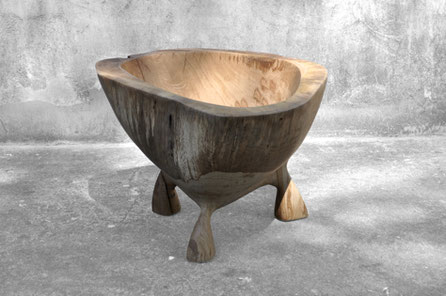 V1356 · Oak#vessel#bowl#coffeetable#woodworking#interiordesign#woodsculptures#art#woodart#wooddesign#decorativewood#originalartwork#modernwoodsculpture#joergpietschmann#oldwood
