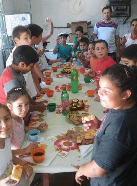 Gemeinsamer Anlass der Schulen aus Las Cuevas und Doll