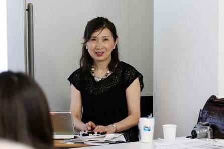 1、松園の美人たち・その視線(日本画) 松永伸子