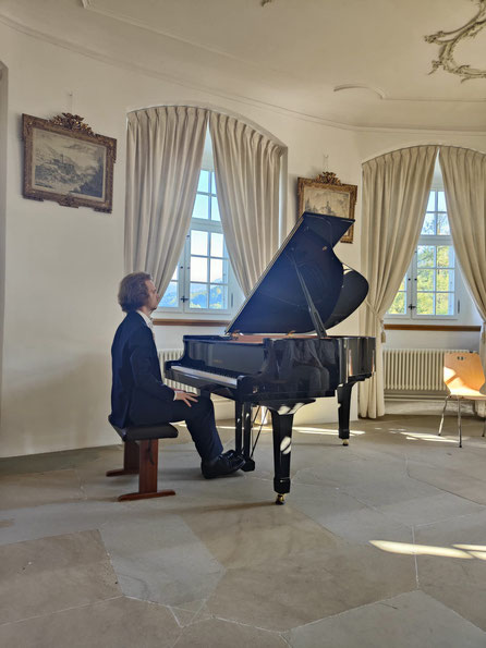 Aleksei Kostenko, Pianist