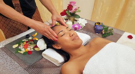 Traditionelle thailändische Massage