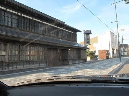 日本最北の酒造、国稀(くにまれ) 午後5時を過ぎていたので閉店していた。
