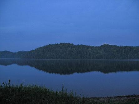 AM 3:16 目が覚めて一発目の撮影。月並みだが本当に綺麗だ。