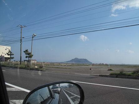 お腹を満たし再出発。函館山が見えてきたぞ