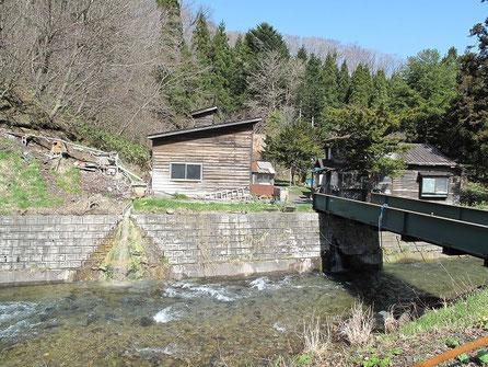 辺り一面温泉の香りが! ここは大船温泉下の湯です。温泉の先生、札幌温泉人氏に勧められた温泉です。噂通りの異色の温泉みたいだぞ。