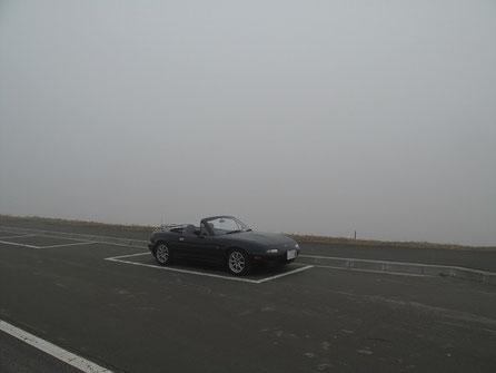 6:29 宗谷丘陵駐車帯 360度ガス。7時45分まで1時間以上待ったが、さっぱり晴れないので断念。