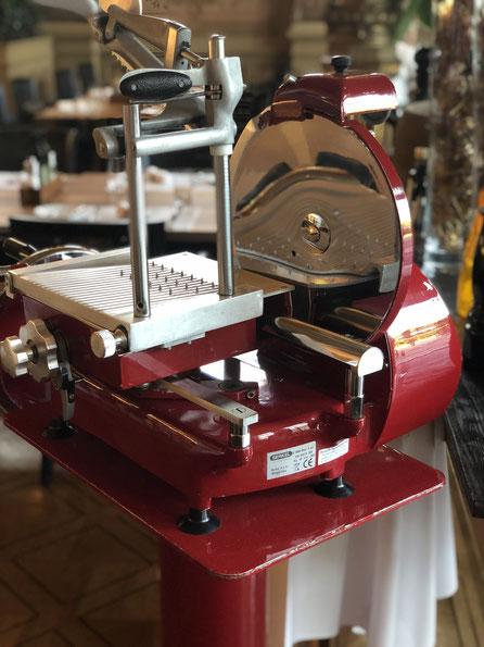 """Kleine Details mit grosser Wirkung! Maschinen, die nicht nur den Zweck erfüllen, sondern als """"Design-Stücke"""" den Salon schmücken!"""