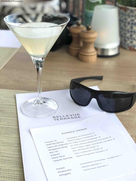 Liebe zum Detail und viel Aufmerksamkeit: wie die Sonnenbrille, welche bei Sonnenschein auf der Terrasse zur Verfügung gestellt wird