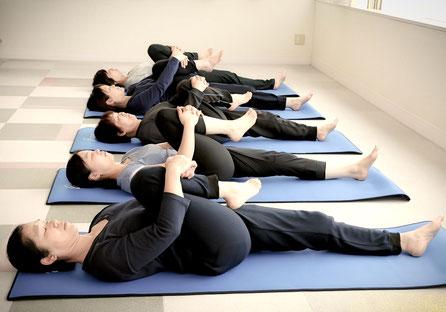 堺市 ヨーガ ヨガ リラックス めい想 瞑想 健康 体操
