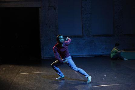 displacement, Choreography R. Reniers, Dancer: Ruben Reniers, Photographer: C. Collado, 2018