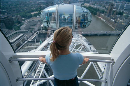 The London Eye Interier with view ©VisitBritain