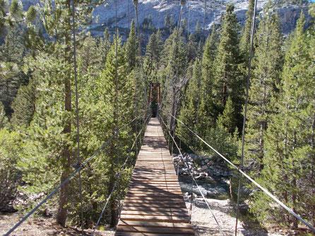 Hängebrücke über Rock Creek
