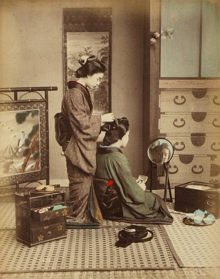 Kusakabe Kinbei, Hairdressing Girls