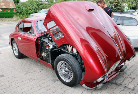 Ab einem Fahrzeugwert von mindestens 40.000 Euro empfehlen wir Ihnen ein ausführliches Gutachten erstellen zu lassen.