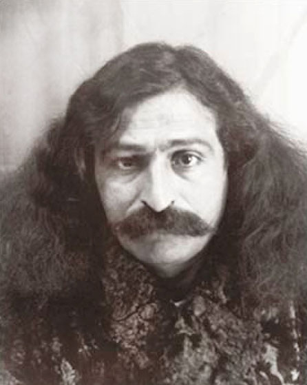 1931 : This photo of Meher Baba was used in his passport when he travelled to West for the first time.