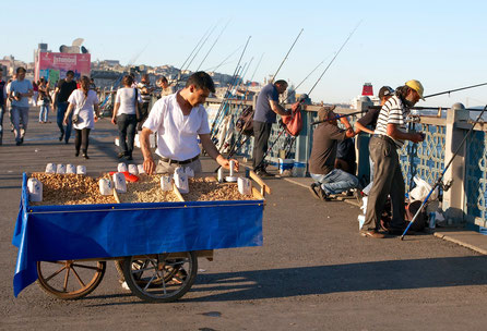 Angler auf der Galata - Brücke