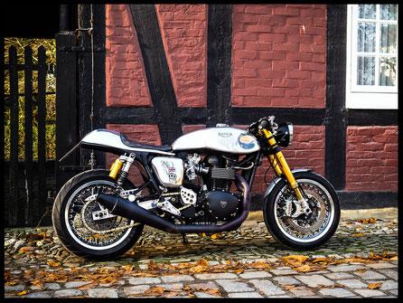 Triumph Thruxton Umbau Custombike Caferacer