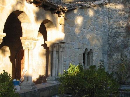 Tapón de Muro para unir dos construcciones existentes en un monasterio, lugar de rodaje de pelicula Los Borgia, Navarra