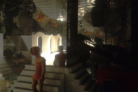 """Exposición """"Escher"""", Diorama a escala natural"""