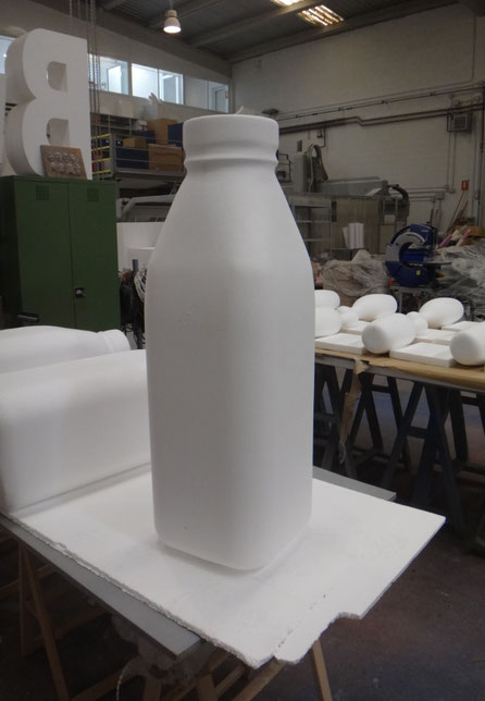 Botella de Leche, 1 metro de altura, corpóreo