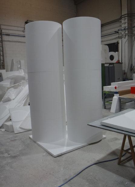 grandes columnas cilindricas