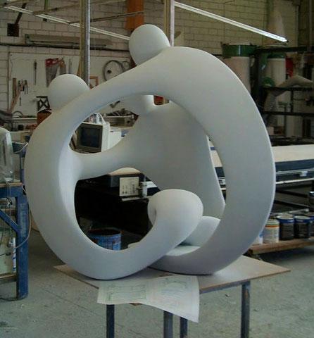 Logo - Escultura, imagen corporativa interpretada en volumen