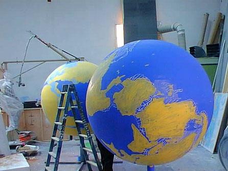 """Globos terraqueos Pangea, """"Evolución tectónica"""", Millones de años."""