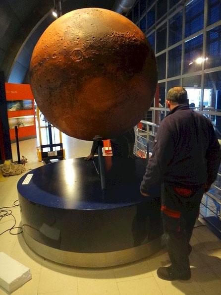 Planeta Marte en relieve.