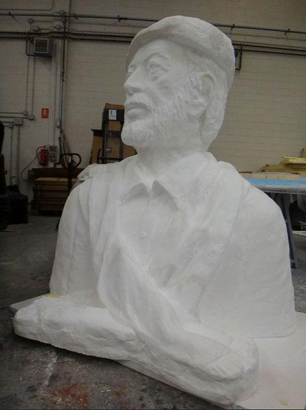 Ampliación de una Escultura, Busto, a tamaño Monumental