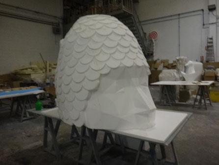 cabeza gigante poligonal