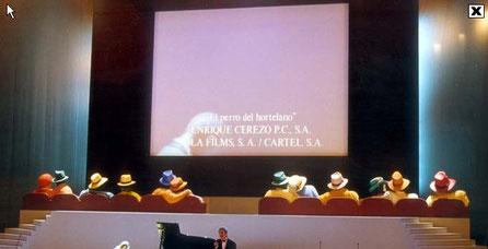 Escenario > Gala de los Premios Goya, Espectadores gigantes en butacas