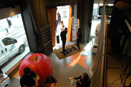 Manzana Gigante 160 cm, en exposición