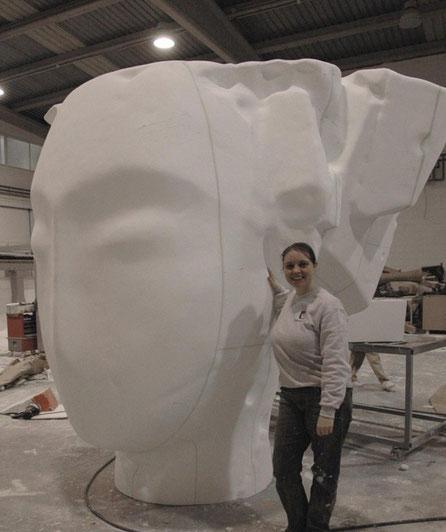 Ampliación Escultura de Manolo Valdés