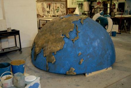 Hemisferio globo terraqueo Gigante 235 cm de diametro. Continentes en resalte
