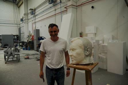 Cabeza para escultura, escultor