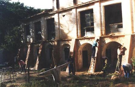 Cantrucción de unos Contrafuertes Ficticios en edificio existente, para rodaje cine.
